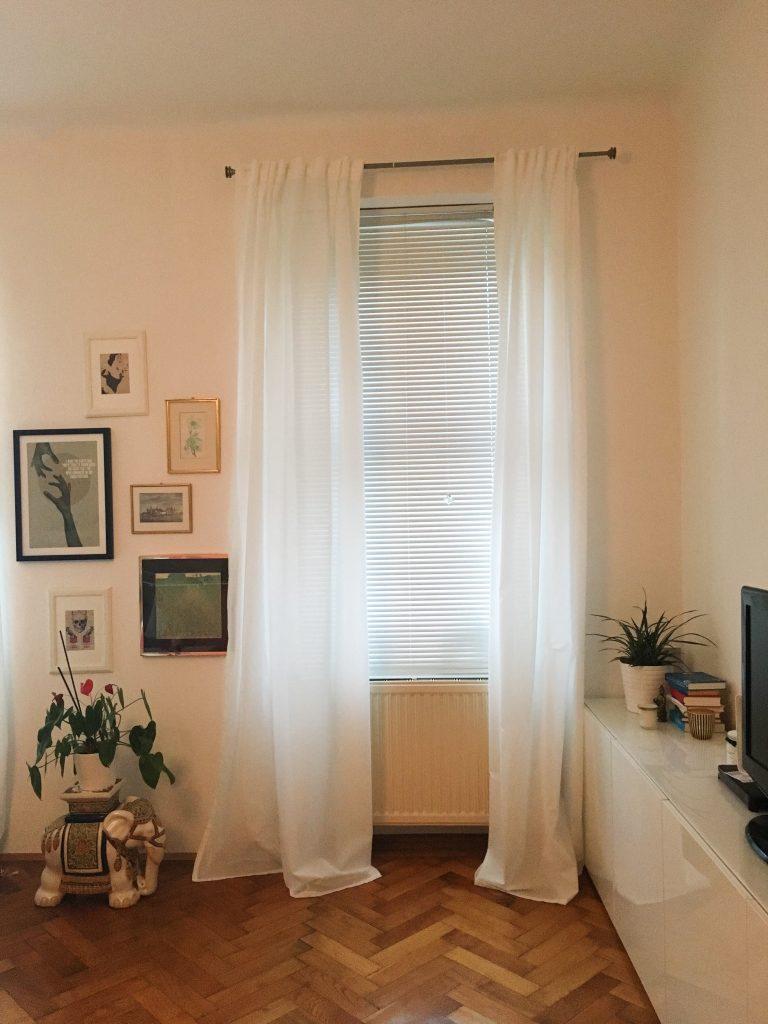 Fenster mit Rollo
